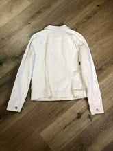 Load image into Gallery viewer, Gap stretch denim jacket in white with button closures and two flap pockets on the chest. Size large.
