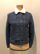 Load image into Gallery viewer, Kingspier Vintage - Levi's denim Sherpa jacket in a faded dark wash with button closures, vertical pockets and flap pockets. Size small.
