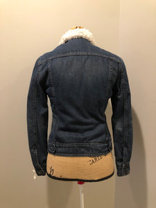 Kingspier Vintage - Levi's denim Sherpa jacket in a faded dark wash with button closures, vertical pockets and flap pockets. Size small.