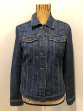 Load image into Gallery viewer, Gap Jeans denim jacket in a medium faded wash with button closures, vertical pockets, two flap pockets on the chest. Size medium.