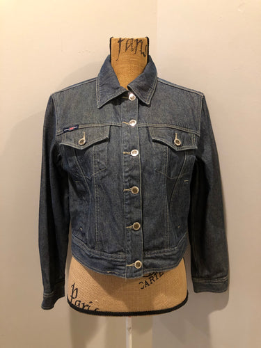 London Blue denim jacket in faded medium wash with button closures, vertical pockets, flap pockets on the chest and inside pockets. Size 3.