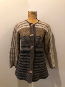 Kingspier Vintage - Paula Scott hand knit wool cardigan in a gradient pattern of beige to dark brown. This cardigan features wooden buttons and was handmade in Nova Scotia. Size medium/ large.