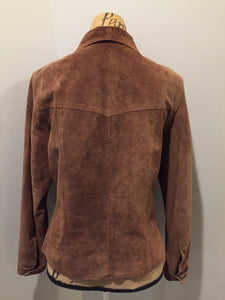 Kingspier Vintage - Danier brown suede jacket with snap closures, two flap pockets on the chest and cuffed sleeves. Size medium.