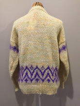 Load image into Gallery viewer, Kingspier Vintage - Hand knit cardigan in pale yellow with purple design and button closures. Size medium.