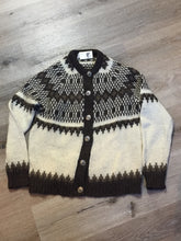 Load image into Gallery viewer, Vintage Pitlochry Knitwear cardigan in white with brown design and button closures. Size 40 (mens)
