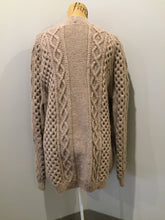 Load image into Gallery viewer, Kingspier Vintage - Hand knit honeycomb and cable stitch wool cardigan in beige with button closures and patch pockets. Size L/XL.