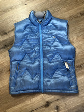 Load image into Gallery viewer, Kingspier Vintage - Eastern Mountain Sports periwinkle blue down filled puffer vest with zipper closure, zip pockets and zip inside pocket. Size medium.