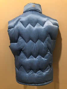 Kingspier Vintage - Eastern Mountain Sports periwinkle blue down filled puffer vest with zipper closure, zip pockets and zip inside pocket. Size medium.