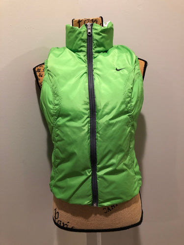 Nike white and green reversible down filled vest with zipper closure and slash pockets. size small.