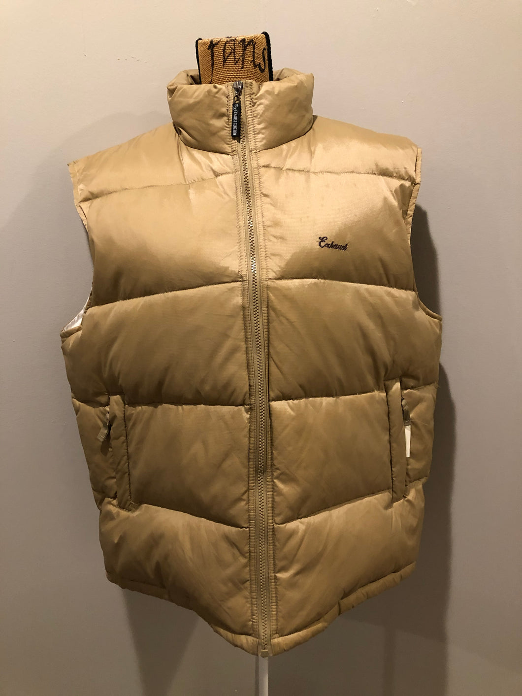 Kingspier Vintage - Exhaust Function tan down filled puffer vest with zipper closure and slash pockets. size XXL.
