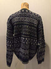 Load image into Gallery viewer, Wool jumper in navy/green/grey. Size L/XL.