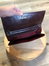 Load image into Gallery viewer, Kingspier Vintage - Borseta suede clutch in maroon with inside zip pocket.