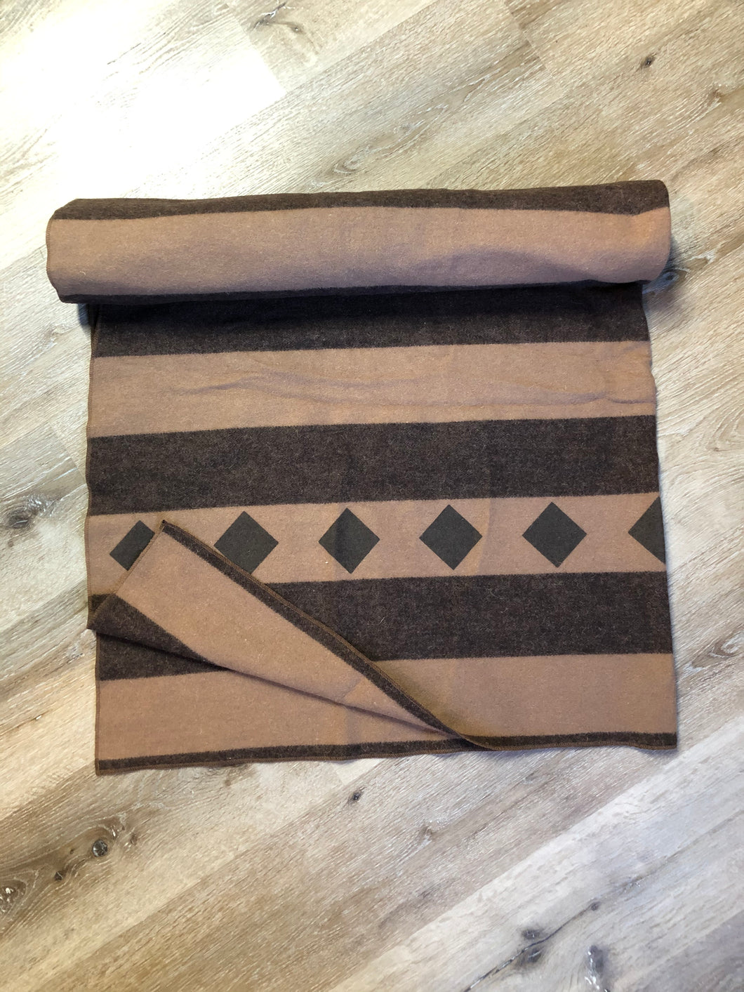 Kingspier Vintage - Brown striped wool throw with diamond shape design.