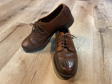 Load image into Gallery viewer, Very Rare Hartt Derby Shoes 7M 39/40 (Canada)