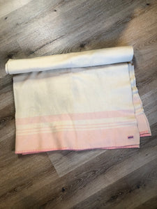 Kingspier Vintage - Vintage Eatonia beige with light pink stripe wool blanket
