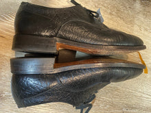 Load image into Gallery viewer, Hartt Derby Shoes 7M 39/40 (Canada)