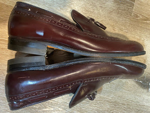 Kingspier Vintage - Burgundy Full Brogue Wingtip Loafers with Tassels by Tradition - Sizes: 7M 8.5W 39-40EURO, Made in Chzechoslovakia, Genuine Leather Soles