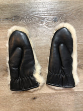 Load image into Gallery viewer, Vintage White Rabbit Fur Mittens