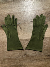 Load image into Gallery viewer, Kingspier Vintage - Vintage olive green lightweight gloves with decorative stitching. Synthetic blend fabric has a bit of stretch. Size small/ 7 womens.