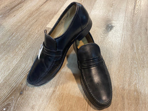 Kingspier Vintage - Black Calf Leather Loafers by Dack's - Sizes: 9.5M 11.5W 42-43EURO, Made in Canada, Leather Sole, Biltrite Rubber Heel, Hand Sewn Vamps