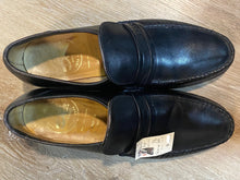 Load image into Gallery viewer, Kingspier Vintage - Black Calf Leather Loafers by Dack's - Sizes: 9.5M 11.5W 42-43EURO, Made in Canada, Leather Sole, Biltrite Rubber Heel, Hand Sewn Vamps