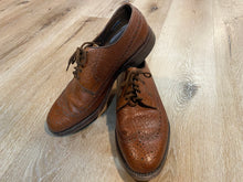 Load image into Gallery viewer, Wingtip Brogue Florsheim Derby Shoes 9M 42 (Canada)