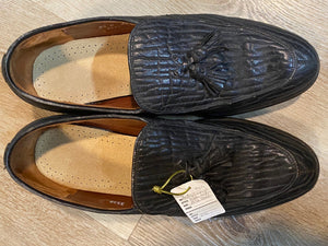 Kingspier Vintage - Black Seal Skin Textured Tassel Loafers by Hartt - Sizes: 8.5M 10.5W 41-42EURO, Made in Canada, Extra Quality Actraguard II Leather Soles, Rubber Heels, Genuine Leather Insoles