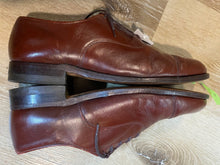 Load image into Gallery viewer, Kingspier Vintage - Brick Red Plain Cap Toe Oxfords by Walkover Vel-Flex - Sizes: 9M 11W 42EURO, Made in USA, Fibre Insoles, Leather Soles, Rubber Heels