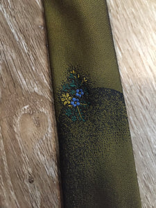 "Kingspier Vintage - Parklane polyester tie in olive and black with a unique flower design.  Length: 56"" Width: 2.25""   This tie is in excellent condition."