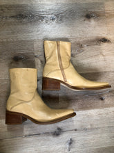 Load image into Gallery viewer, Baci Beige Leather Cowboy Style Ankle Boots