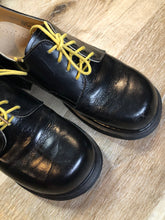 Load image into Gallery viewer, Vintage Doc Martens Black 8461 Gibson Shoe