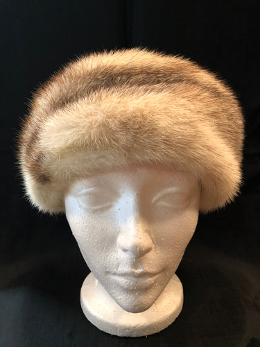 Kingspier Vintage - Vintage Kates Boutique White/ blonde mink fur hat. Interior is lined. Made in Montreal, Canada. Size small.  This hat is in excellent condition.