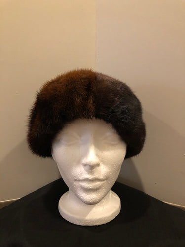 Kingspier Vintage - Vintage Kates Boutique dark brown fur hat. Interior is lined. Made in Canada. Size small.  This hat is in excellent condition.