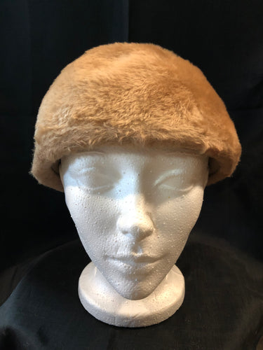 "Kingspier Vintage - Vintage Selena HB beaver fur felt hat. Made in Austria.  Circumference - 20.5""  Hat is in good condition with some over all wear."