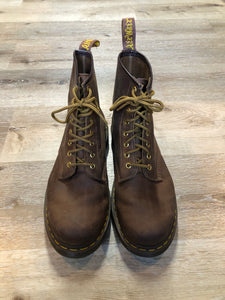 Kingspier Vintage - Doc Martens 1460 Original 8 eyelet boot in brown nubuck with smooth leather upper and iconic airwair sole.  Size 10 men's