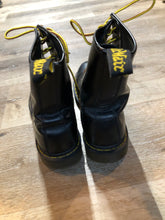 Load image into Gallery viewer, Kingspier Vintage - Doc Martens 1460 Original 8 eyelet boot in black with smooth leather upper and iconic airwair sole.   Size 9M  *Boots are in good condition, with some wear.