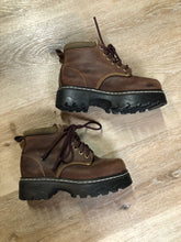Load image into Gallery viewer, Kingspier Vintage - Roots Tuff hiking boots in brown nubuck leather with padded ankle and thick sole. Made in Canada  Size 6 womens  The uppers and soles are in excellent condition.
