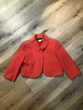 Load image into Gallery viewer, Kingspier Vintage - Harve Benard pink cropped jacket with button closures. Size medium..