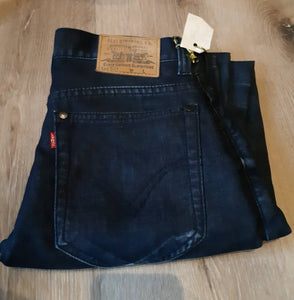 "Levi's 501 - 28"" x 32"" Made in USA. red tab"