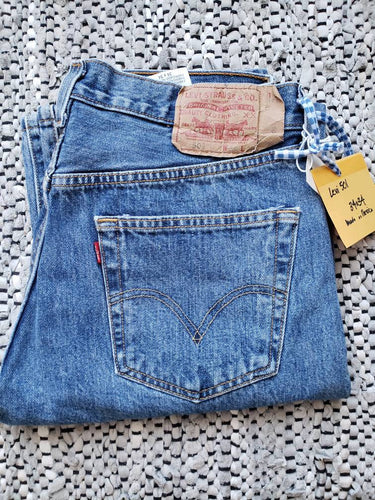 Kingspier Vintage - Classic Levi's 501 button fly., Made in Mexico. 34