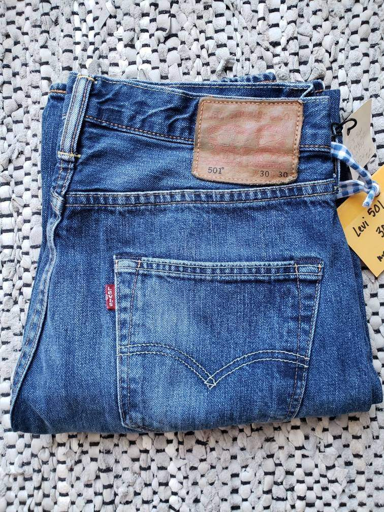 (SOLD) Levi's 501  30