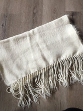 Load image into Gallery viewer, Handwoven shawl