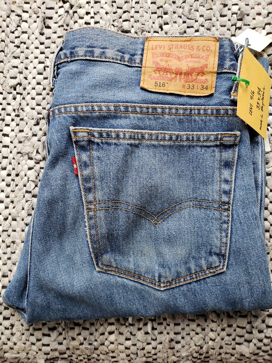 Levi's 516 red tab 33
