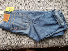 "Load image into Gallery viewer, Kingspier Vintage - Classic Levi's 516, 33""x34"" MEASURES (35"" X 35.5""), Excellent condition., Made in Bangladesh., Excellent condition, Gently broken in."