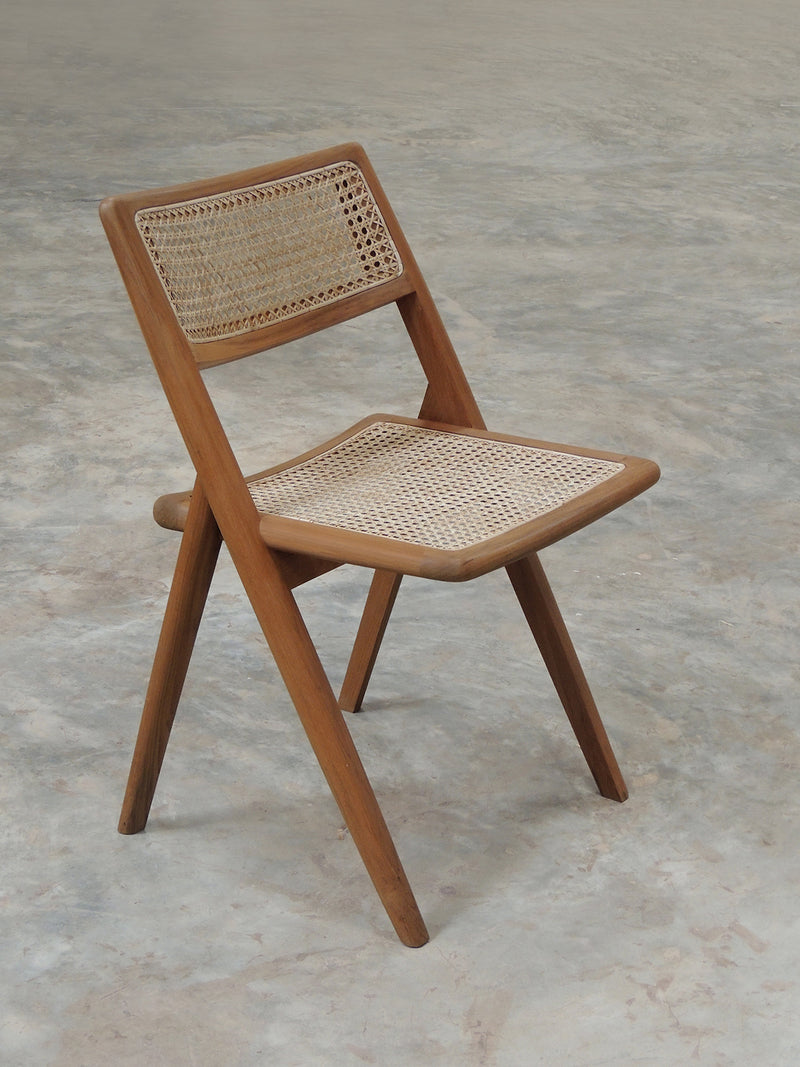 Phantom Hands Muṅgāru Dining Chair
