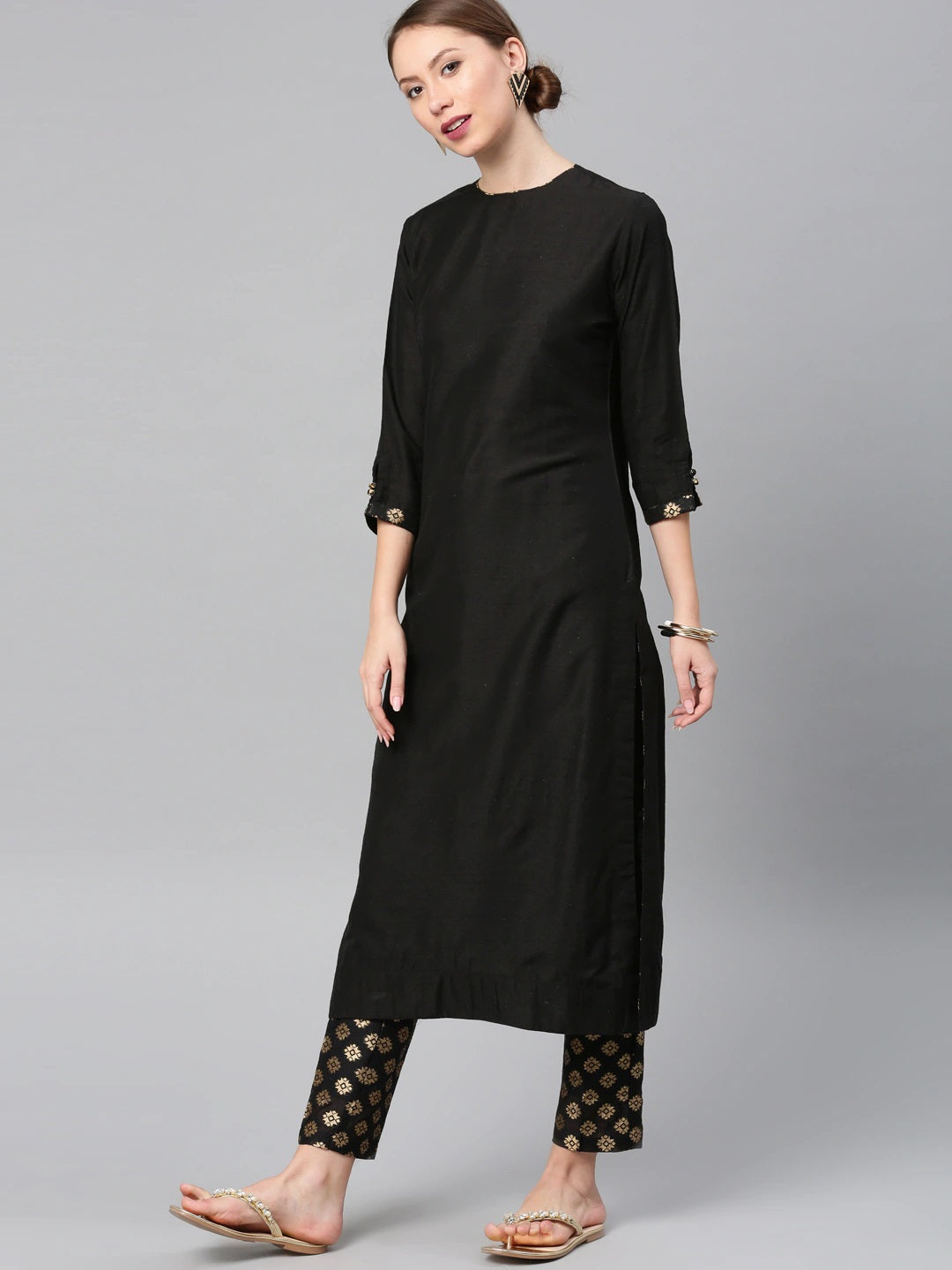 Black & Gold-Toned Solid Kurta With Printed Trousers