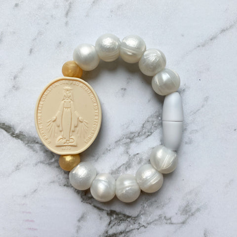 Miraculous Medal Bracelet | Big Kid | Pearl & Cream with Gold