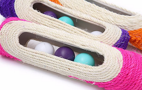 Sisal rope cat toy with balls