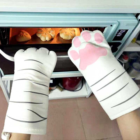 Cat themed oven mittens