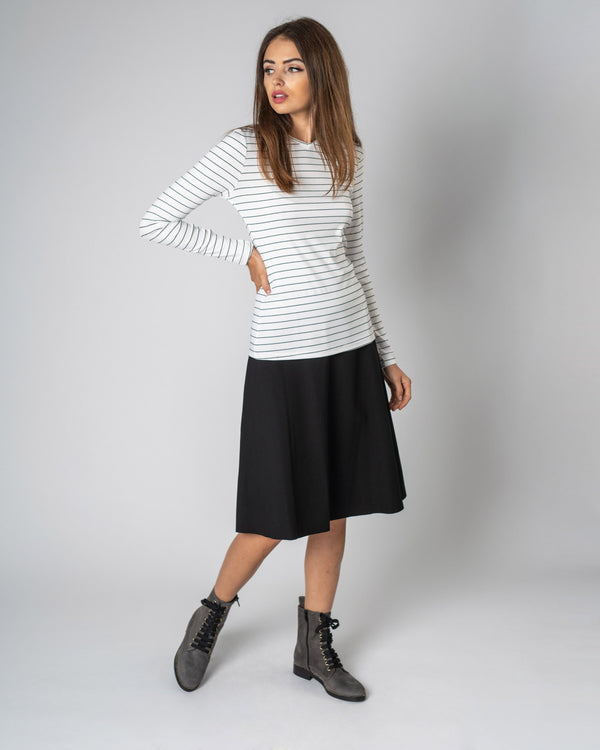 STRIPED RIBBED V TEE(LS)